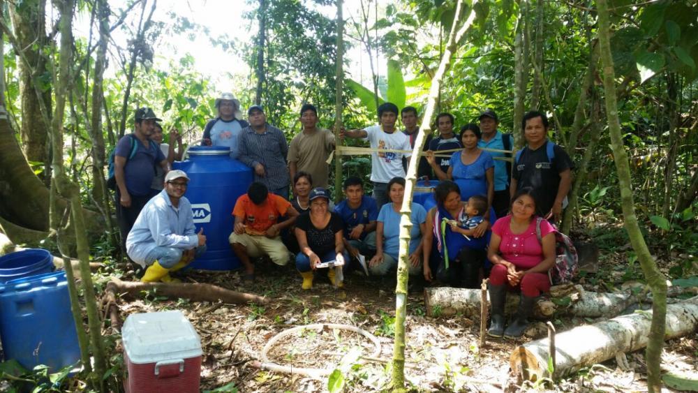 Personal del CIBE realiza talleres de capacitación sobre la elaboración de biol y su aplicación a las comunidades cacaoteras del cantón Taisha, provincia de Morona Santiago.